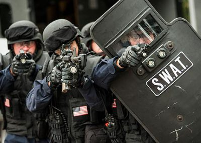 Plymouth_SWAT_baricaded_3